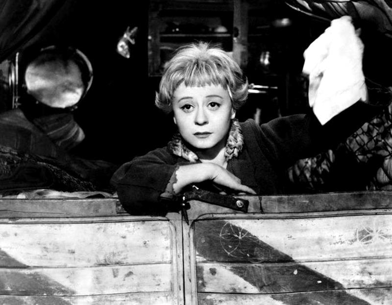 Giulietta Masina. (La strada. Ponti de Laurentiis. 1954.)