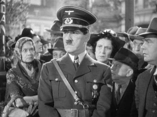 Tom Dugan. (Ser o no ser. Romaine Film, Alexander Korda. 1942.)