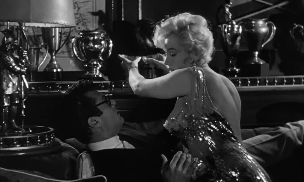 Marylin Monroe y Tony Curtis. (Some like it hot. United Artists, Ashton Productions, The Mirisch Corporation. 1959.)