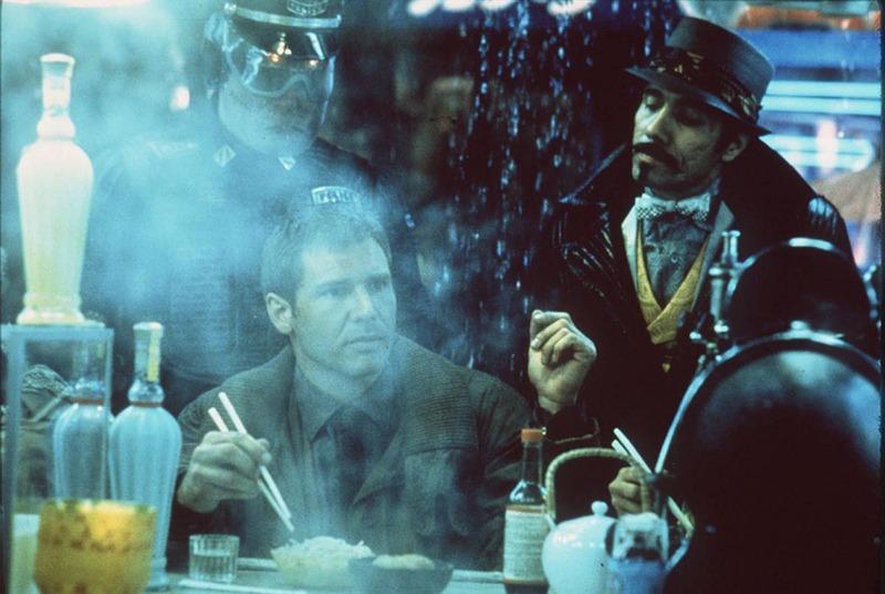 Harrison Ford y Edward James Olmos. (Blade Runner. Warner Bros., Ladd Company, Shaw Brothers. 1982.)