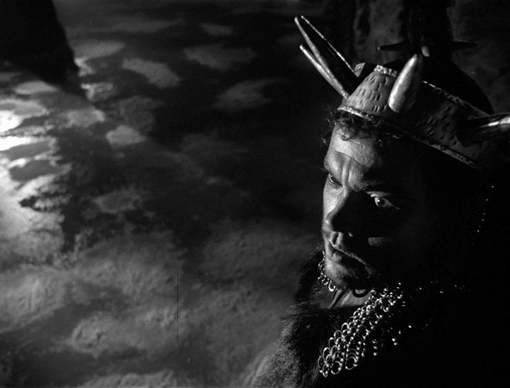 Orson Welles. (Macbeth. Republic Pictures. 1948.)