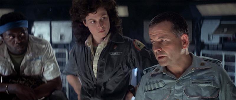 Sigourney Weaver, Ian Holm y Yaphet Kotto. (Alien. 20th Century Fox, Brandywine Productions. 1979.)