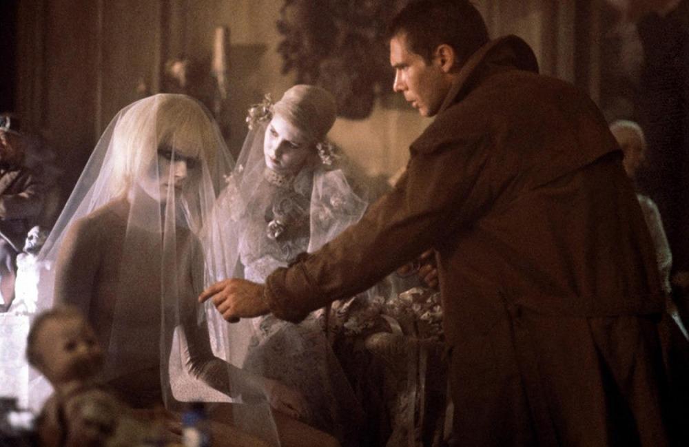 Daryl Hannah y Harrison Ford. (Blade Runner. Warner Bros., Ladd Company, Shaw Brothers. 1982.)