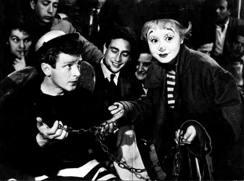 Giulietta Masina y Richard Basehart. (La strada. Ponti de Laurentiis. 1954.)