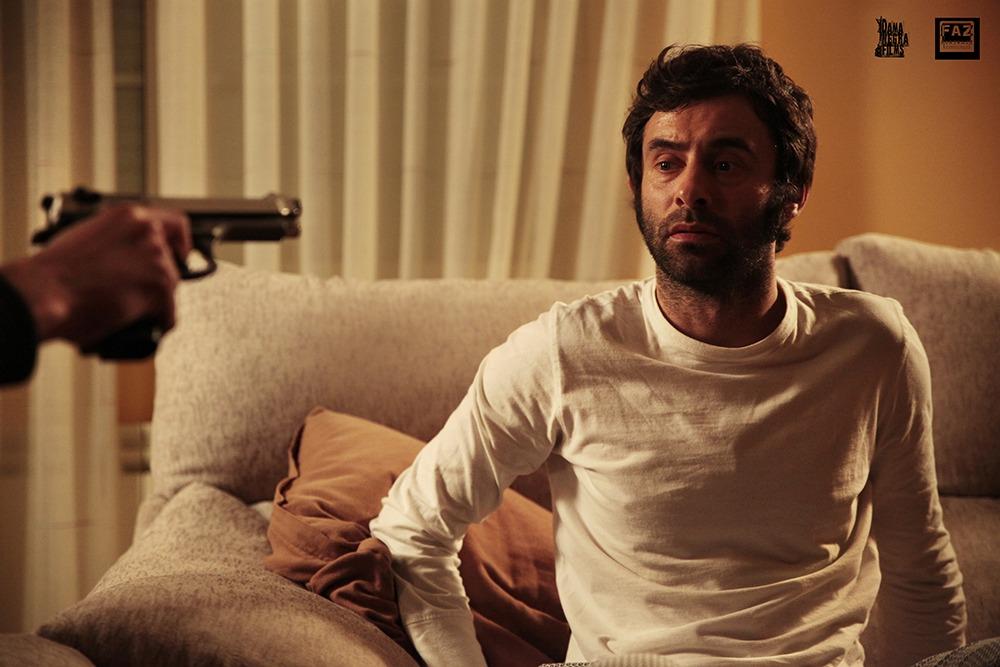 Denis Gómez. (La sentencia. Dama Negra Films. 2014.)