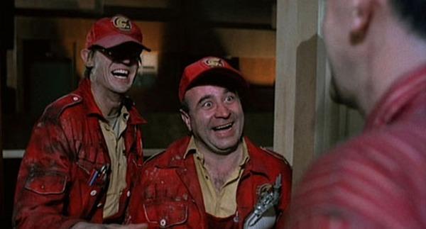 Bob Hoskins y Derrick O'Connor. (Brazil. Universal Pictures. Arnon Milchan Production. 1985.)
