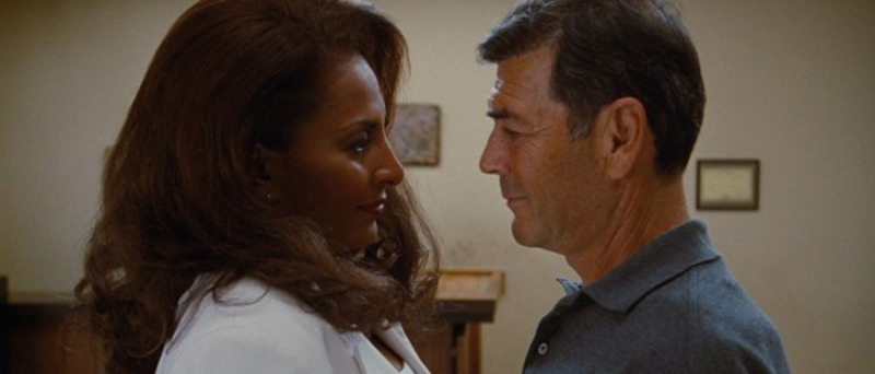 Pam Grier y Robert Forster. (Jackie Brown. Band Apart, Miramax, Lawrence Bender Productions Miramax. 1997.)