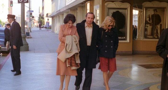 Gena Rowlands, Ben Gazzara y Zohra Lampert. (Opening night. Faces Distribution. 1977.)