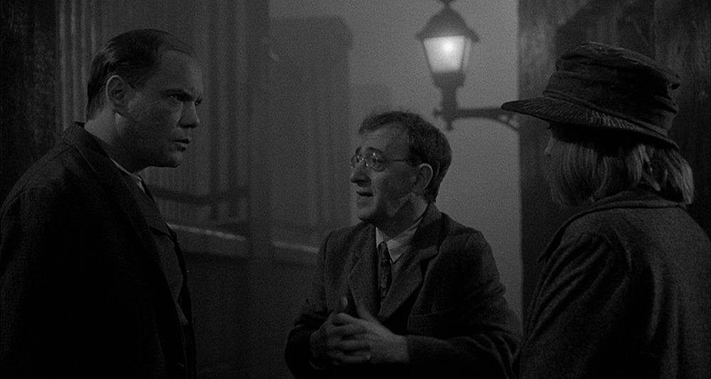 Woody Allen. (Sombras y niebla. Orion Pictures. 1991.)