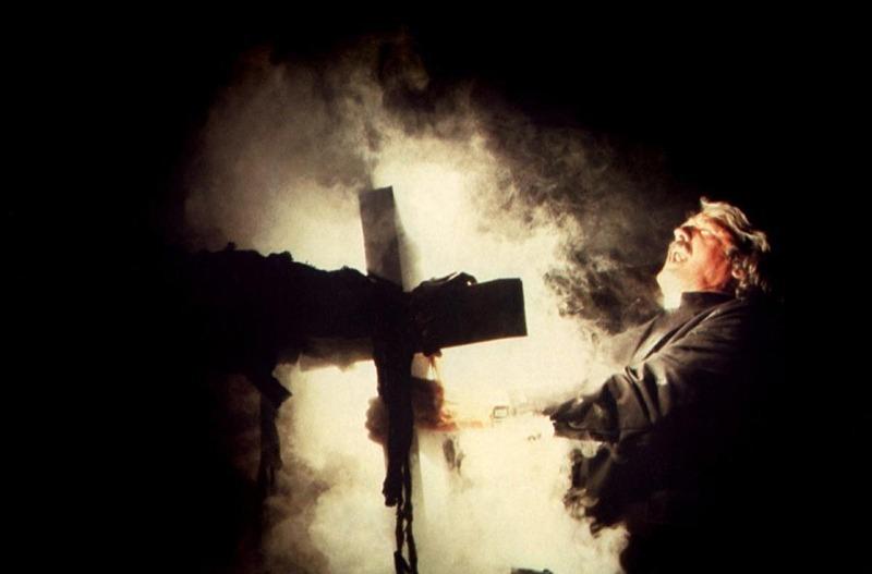 Hal Holbrook. (La niebla. AVCO Embassy Pictures, EDI, Debra Hill. 1980.)