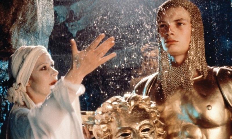 Helen Mirren y Robert Addie. (Excalibur. Orion Pictures, Warner Bros. 1981.)