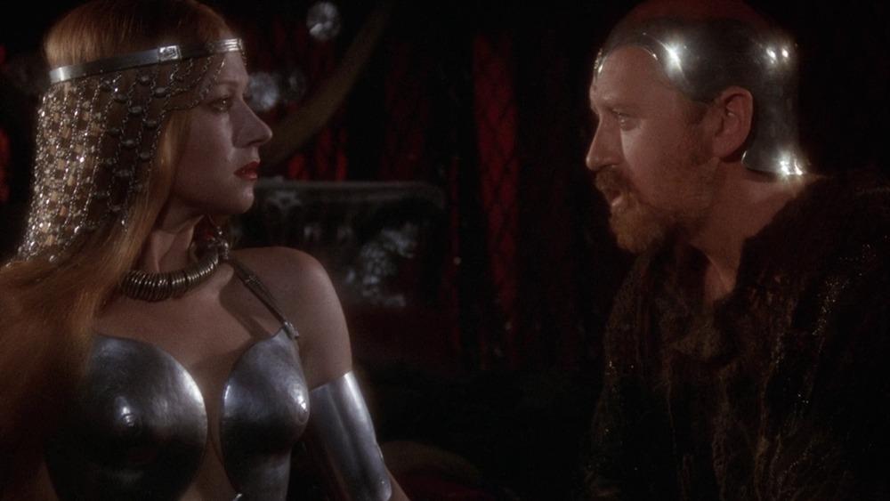 Helen Mirren y Nicol Williamson. (Excalibur. Orion Pictures, Warner Bros. 1981.)
