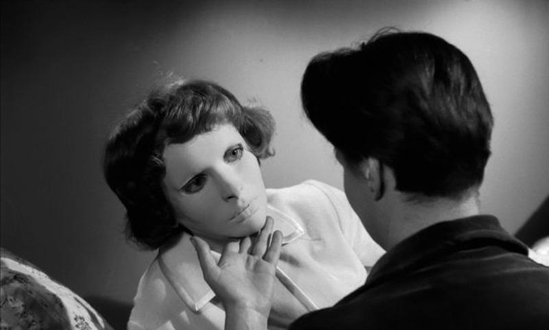 Edith Scob y Alida Valli . (Los ojos sin rostro. Champs-Élysées Productions, Lux Film. 1960.)