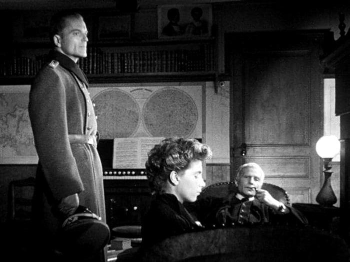 Howard Vernon, Nicole Stéphane y Jean-Marie Robain . (El silencio del mar. Melville Productions. 1949.)