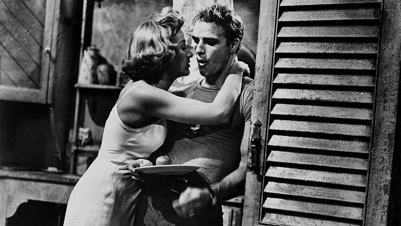 Kim Hunter y Marlon Brando. (Un tranvía llamado deseo. Warner Bros. 1951.)