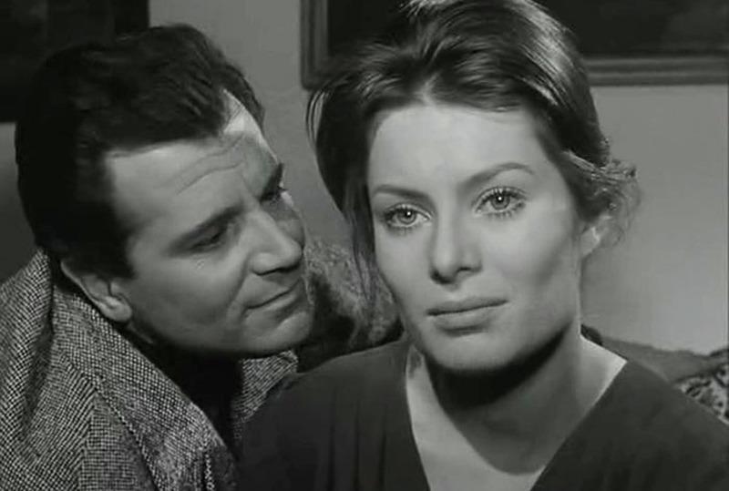 Belinda Lee y Gabriele Ferzetti. (La larga noche del 43. Ajace PC, Eurointer, Films Metzger et Woog. 1960.)