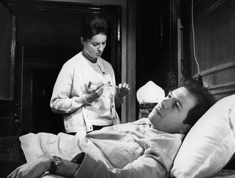 Belinda Lee y Enrico Maria Salerno. (La larga noche del 43. Ajace PC, Eurointer, Films Metzger et Woog. 1960.)