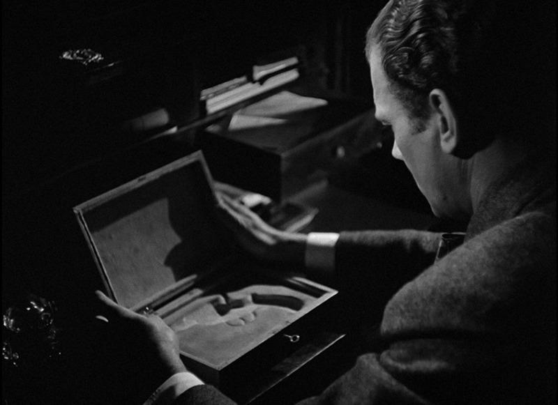 Joseph Cotten. (Gaslight. Metro-Goldwyn-Mayer. 1944.)