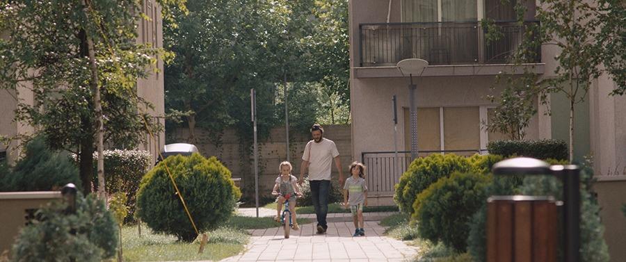 Adela Marghidan, Stefan Raus y Bogdan Dumitrache. (Pororoca. Scharf Advertising, Irreverence Films. 2017.)